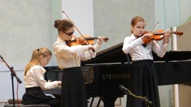 Nāc līdzās! dalībnieki Starptautiskā festivālā Minskā