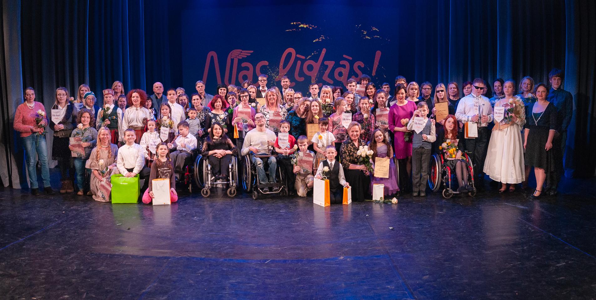 """XXII Integratīvais mākslas festivāls """"Nāc Līdzās!"""" VEF Kultūras namā Rīgā 2018. gada 05. aprīlī."""
