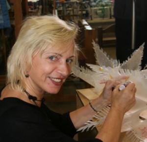 Nāc līdzās Ziemassvētku Egles rotu darināšana